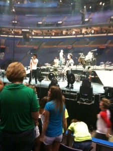 The Jonas Bros live in St. Louis July 28, 2009-Sound Check