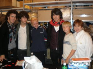 Maxine and friends & Jonas Bros- October,2007 BABW 10th Birthday
